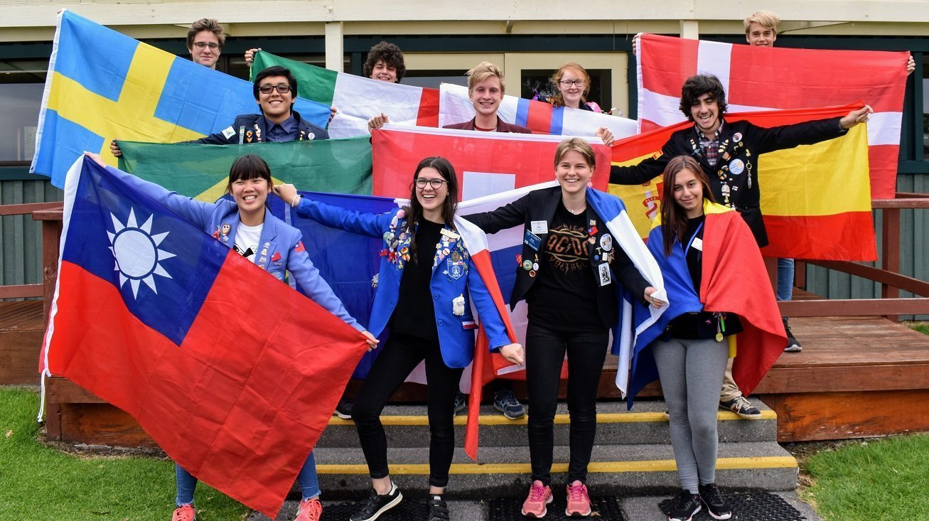 Rotary Youth Exchange Tasmanian Students Support Mental Health Research –  Australian Rotary Health